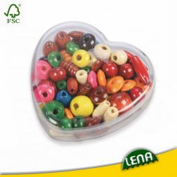 Fa gyöngyök szív alakú dobozkában